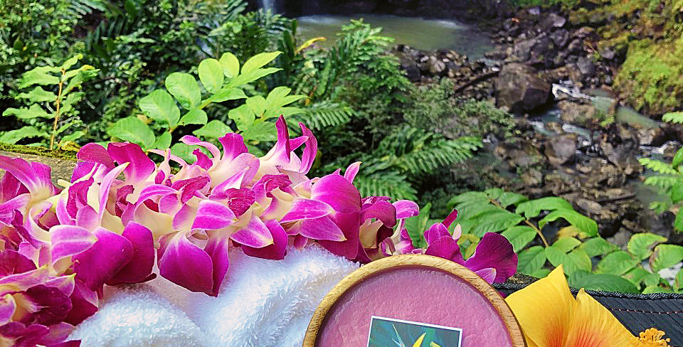 Hawaiian Lei Soy Wax Candle in a Monkeypod Wood Bowl.  Plum Purple in Color Smells like Wearing an Fresh Orchid Lei in Hawaii