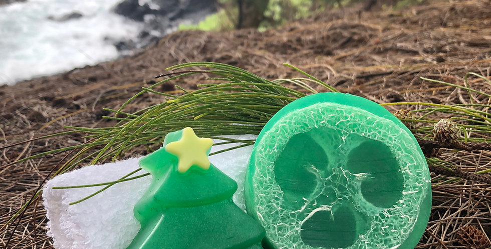 O' Christmas Tree Small Loofah Soap.  Forest Green in Color.  Notes of Balsam, Pine, & Spruce, like a Fresh Cut X-mas Tree!