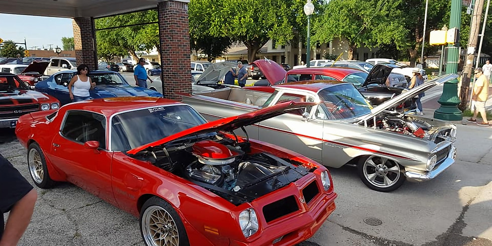 Downtown Grapevine Cruise Night Car Show
