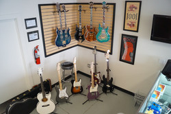 pawn inc Guitar corner and floor