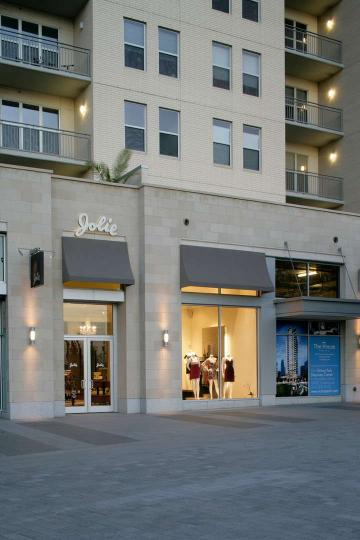 Retail+Jolie+Exterior.JPG