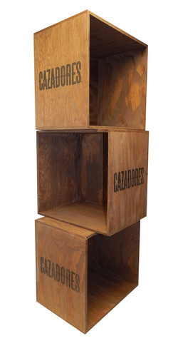 Cazadores 3 Crate Display