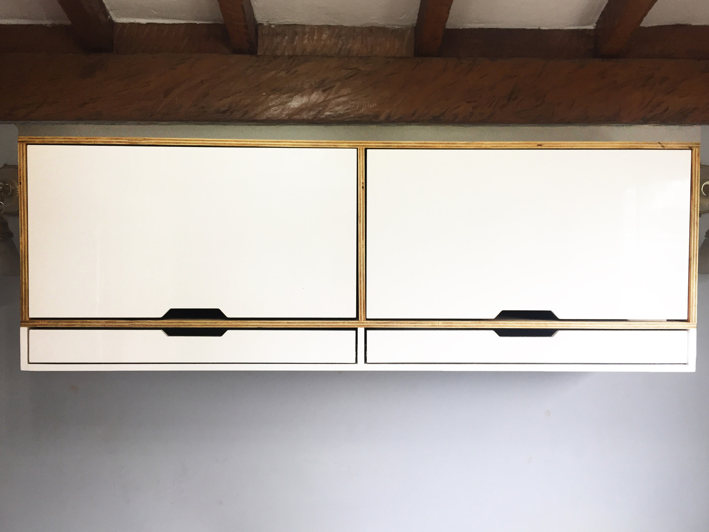 MUEBLE A PARED