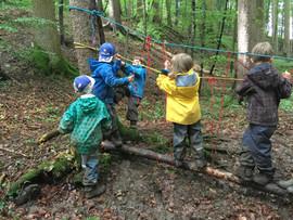 Seilbrücke bauen
