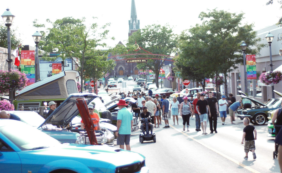 Crowds rolled into Queen Street Tuesday