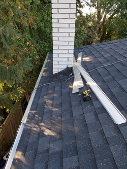 eavestrough cleaning and leafguard