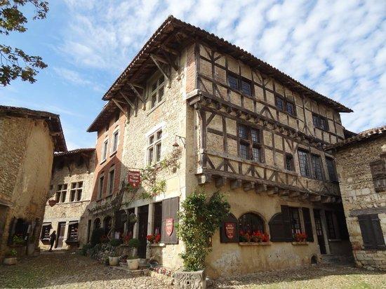 hostellerie_de_Pérouges