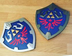 Different colour scheme #tinyhylianshield #hylianshield #shield #ledgendofzelda #link #zelda #ninten