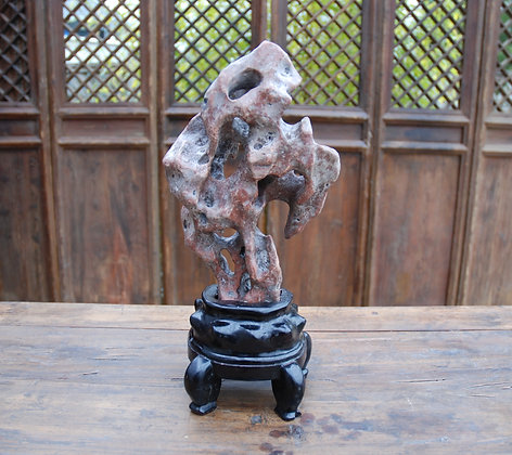 Taihu Scholar's Rock 太湖石