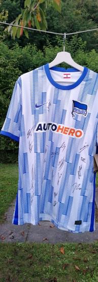 Signiertes Hertha BSC Trikot