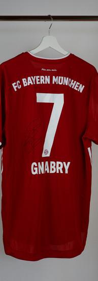 Signiertes Serge Gnabry Trikot FC Bayern München