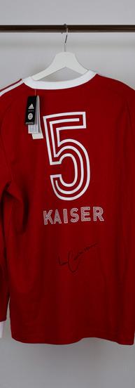 Signiertes Franz Beckenbauer Sweatshirt