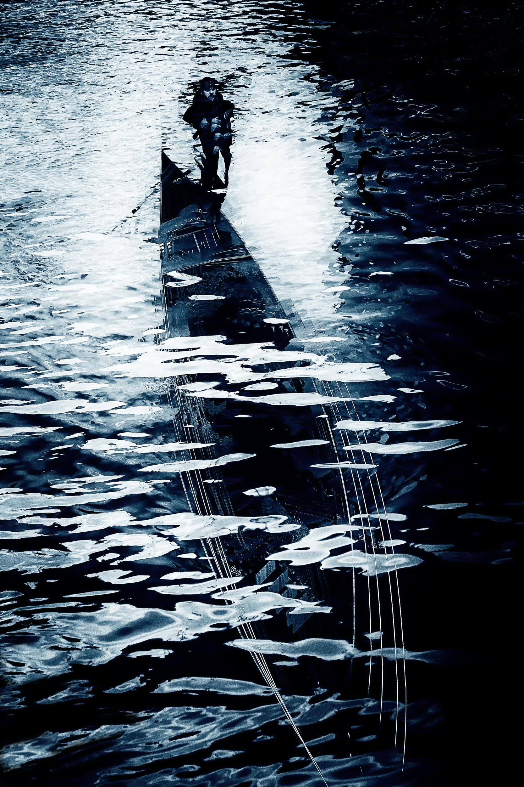 Submarine Gondola. Gondola sotto le onde.