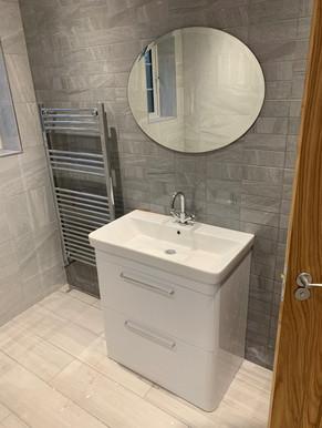 Downstairs Bathroom 2_edited.jpg