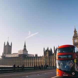 立場新聞 | 英國出資 4.6 億港元 助 BNO 港人融入英國生活