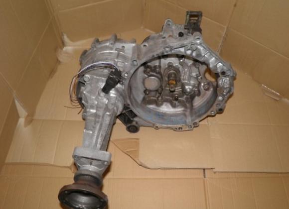 Boite de vitesses VOLKSWAGEN Transporter 2.5 TDi 88cv EWB