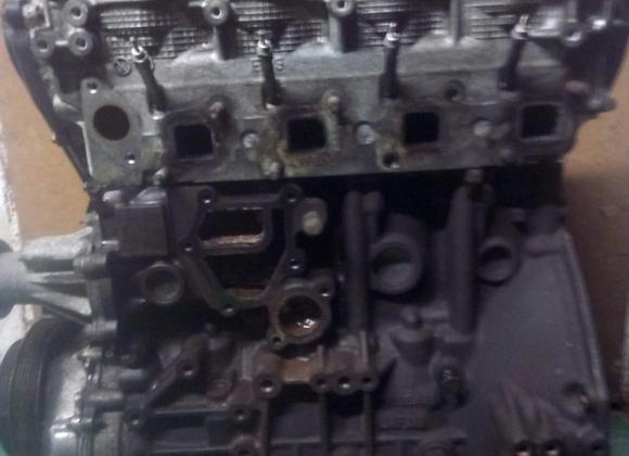 Bloc moteur Nissan Navarra 2.5 dCi YD25