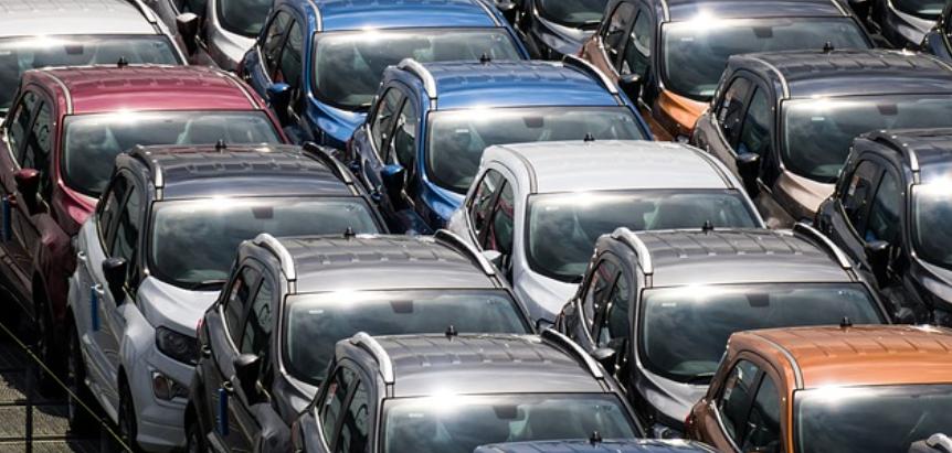 Les ventes de voitures neuves chutent de 15% en août 2021