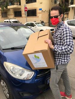 """חלוקת סלי מזון בפסח תשפ""""א"""