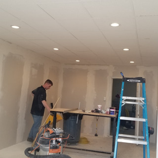 Ceiling/ Recessed lighting/ Drywall install