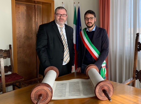 Rabbi Montanari Brings a New Sefer Torah to Italy