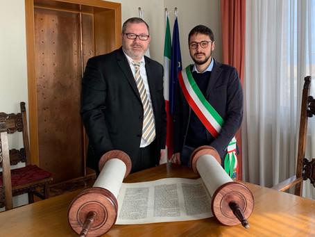 Rabbi Montanari Brings a New Sefer Torah to Italy