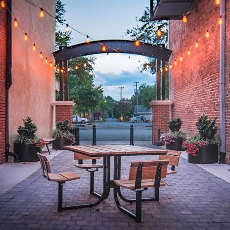 Thomas Steele Lofty Courtyard Table