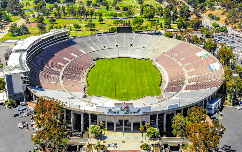 2018.06.17_Over_the_Rose_Bowl,_Pasadena,