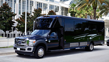 2014-lge-coachworks-ford-f550-limo-bus-5