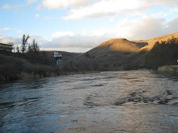 deschutes river.jpg