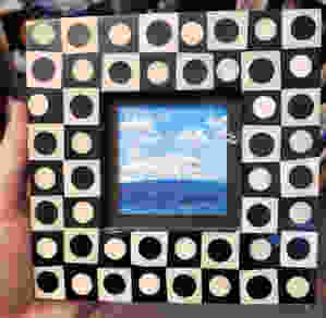 EscapingSpaceShip_CheckerFrame_tinypicture