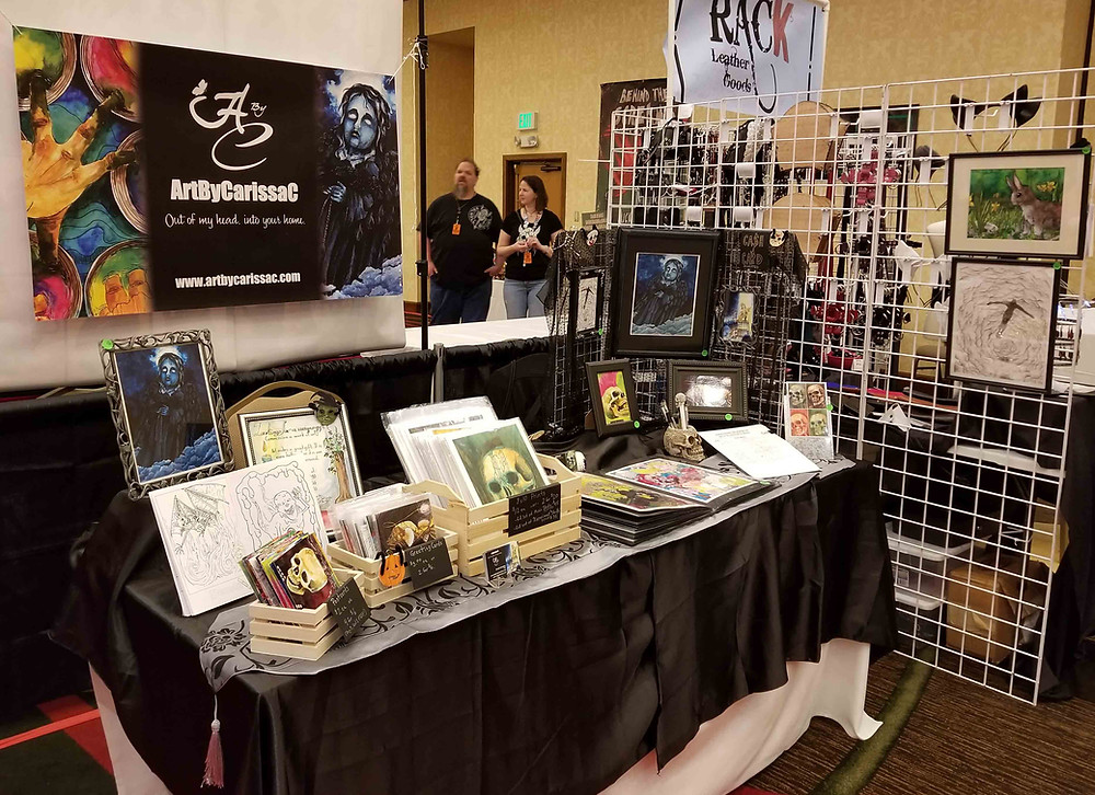 crypticon18_artbycarissac_tablesetup