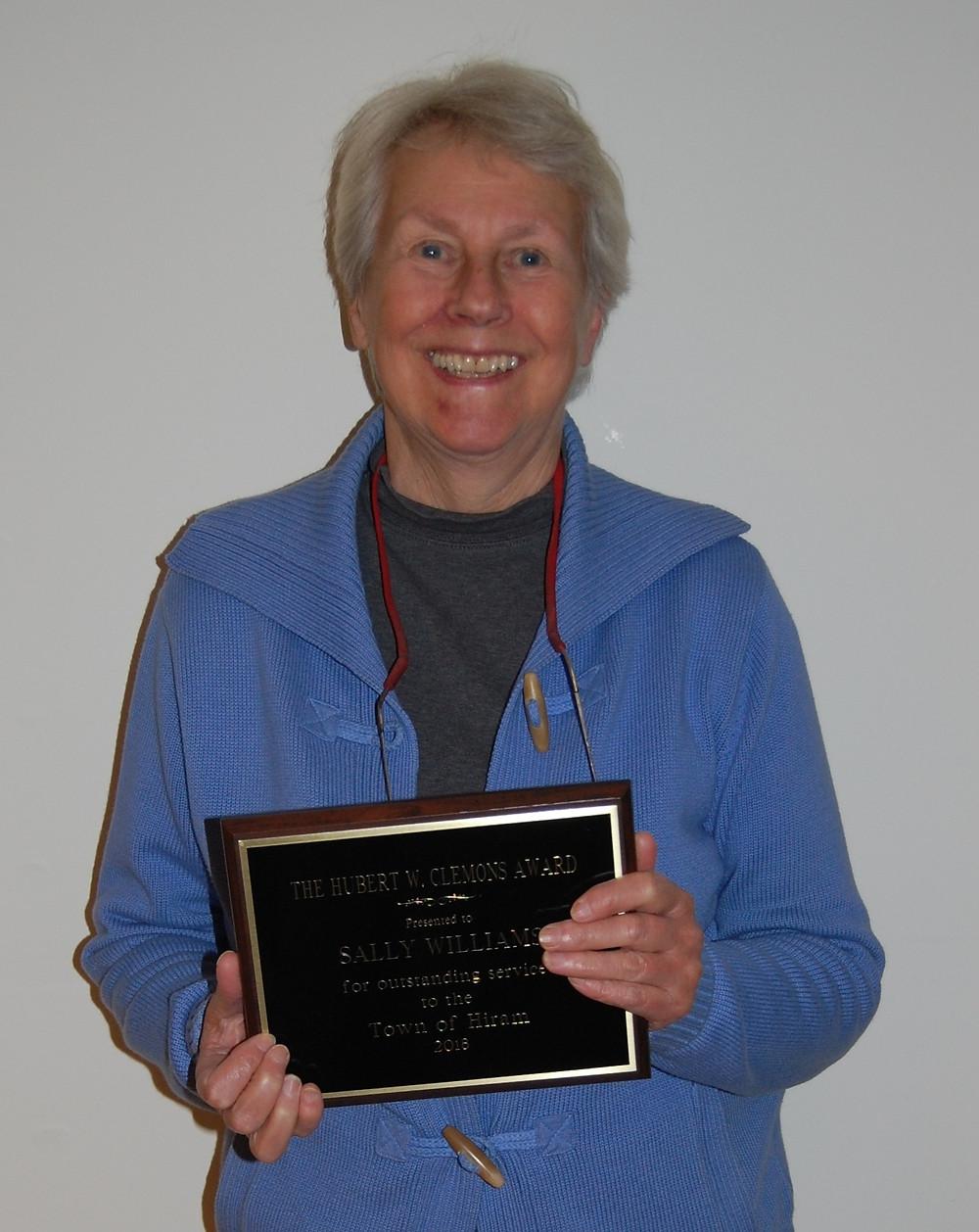 2018 Sally Williams receives Award