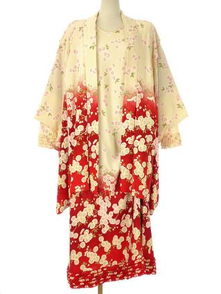 【買取情報】カネコイサオ ワンダフルワールドのポリ縮緬・希少な桜プリントのワンピースと羽織りを査定させて頂きました♪