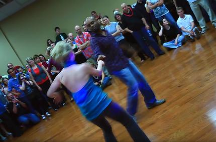 Damon Stone - Blues dancing