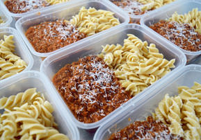 Beef Ragu w. Tomato & Basil Sauce and Wholegrain Pasta.