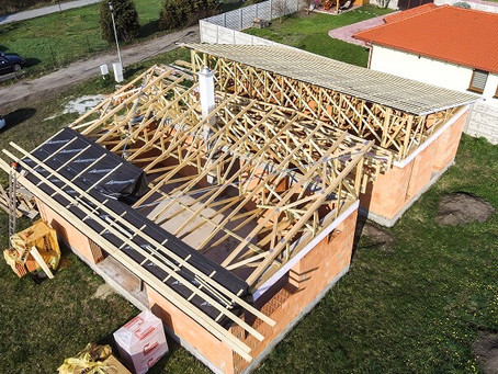 Szeglemezes tető - Zsámbék