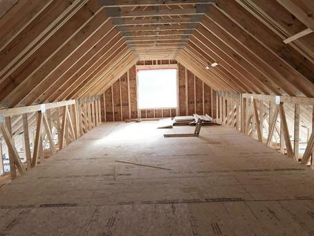 Hogyan használhatjuk ki a tetőteret szeglemezes tető esetében?