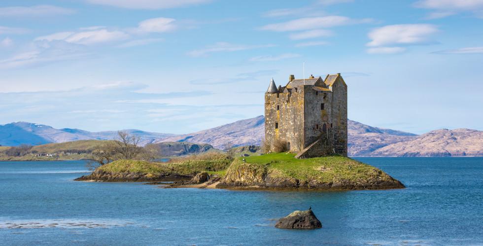 Castle Stalker on Loch Linnhe.jpg