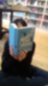 reading book20-20190815_175140.jpg