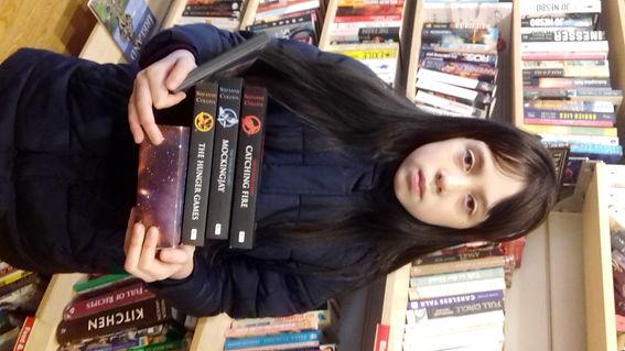 20180311_123519-Sadie reads lots of book
