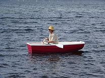 Steve in dinghy.JPG