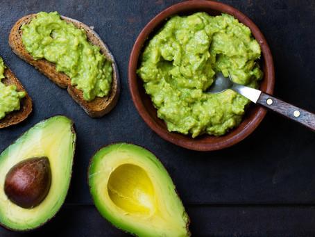 Abacate | 4 ótimos motivos para a fruta do momento fazer parte da sua dieta
