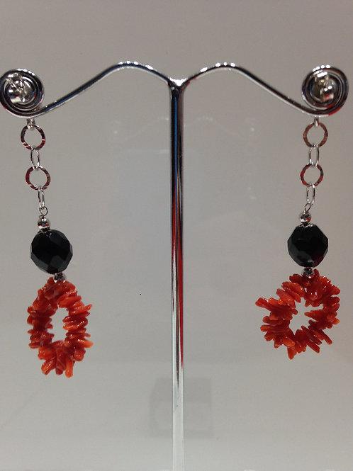 Boucles d'oreille Corail et perles d'onyx noir