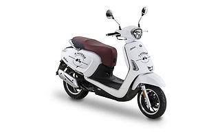 Vitesje-Kymco-Scooter-verhuur-50cc-wit.j
