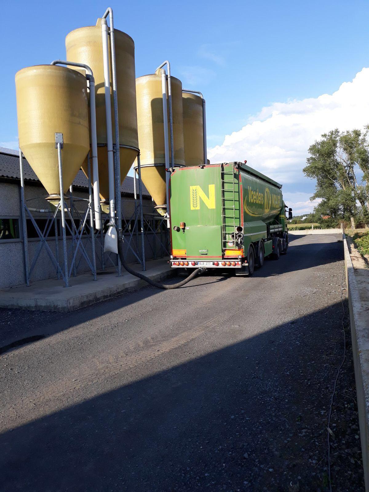 Voeders Nollet vrachtwagen