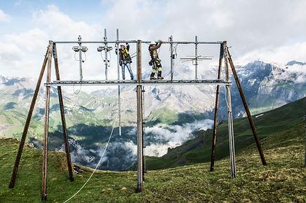Voltige et travail accrobatique en montagne