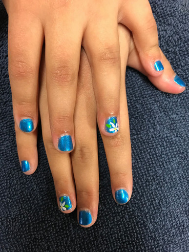 Child Manicure