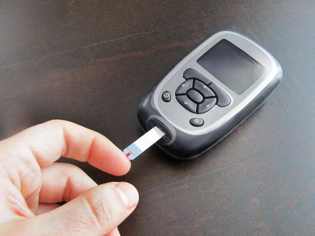 Blood glucose monitor, diabetes and oral health