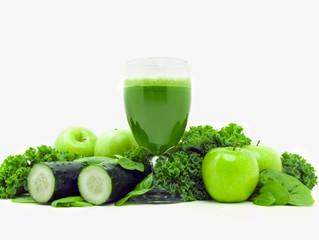 5 Sucos Detox de Couve que irão detonar as gordurinhas